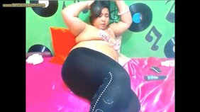 BBW in leggings puts on one hell of a show for you